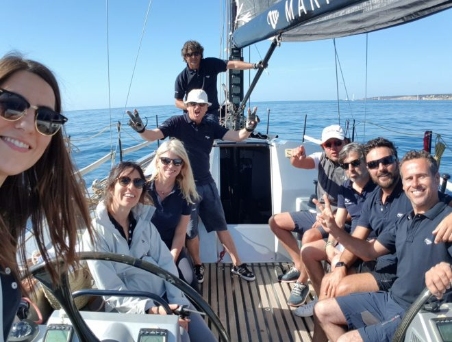 Marina Ibiza Regata de Travesía APD brindis en barco